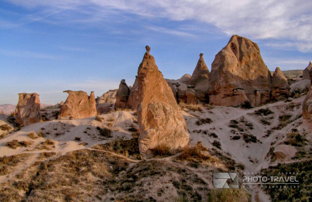 """Co zobaczyć w Kapadocji? Dolina Dervent, nazywana """"różową doliną"""" - Atrakcje turystyczne, bajkowe kominy, podziemne masta"""