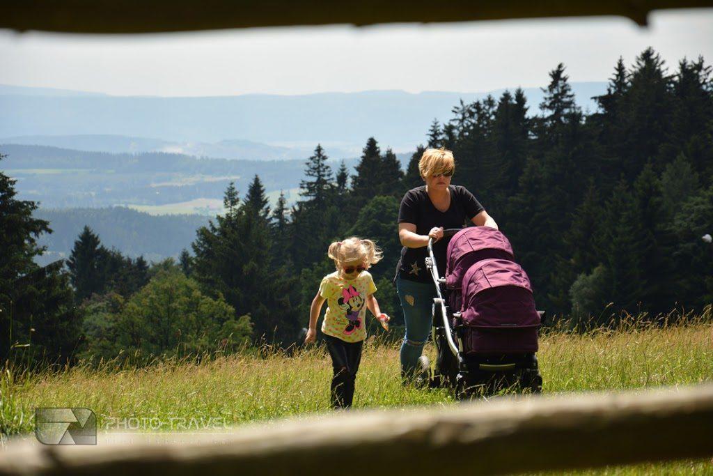 Podróże z dziećmi - Polana Jugowska z dziećmi. Rodzinny blog podróżniczy. Hania, Wiki i Franek na tropie przygody
