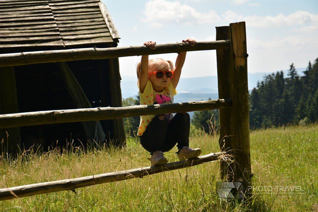 Polana Jugowska z dziećmi. Rodzinny blog podróżniczy. Hania, Wiki i Franek na tropie przygody