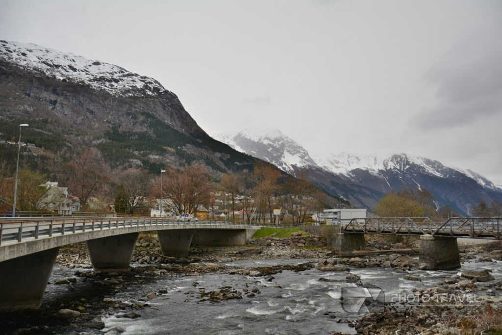 Odda jest stolicą regionu Hordaland, lodowcem Folgefonna, a płaskowyżem Hardangervidda na krańcu Sorfjorden.