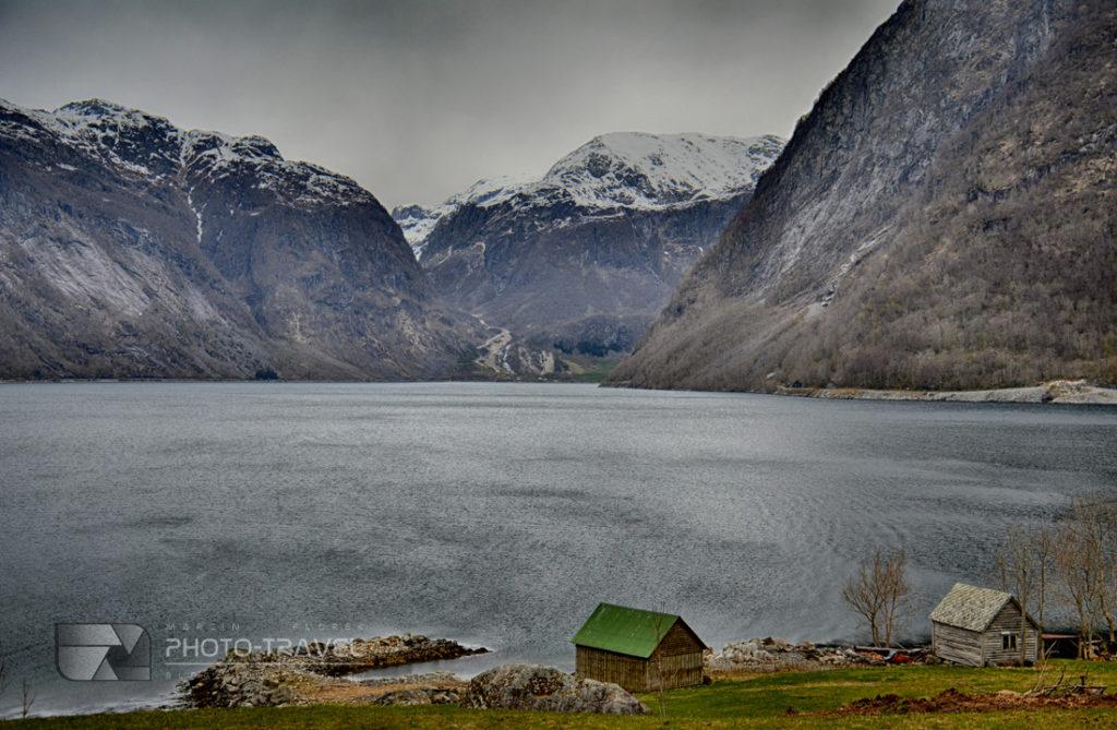 Norweskie drogi ze wspanialymi widokami na fiordy