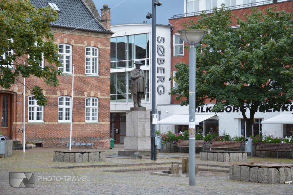 Silkeborg - Totvet - główny plac miasta ze starym ratuszem