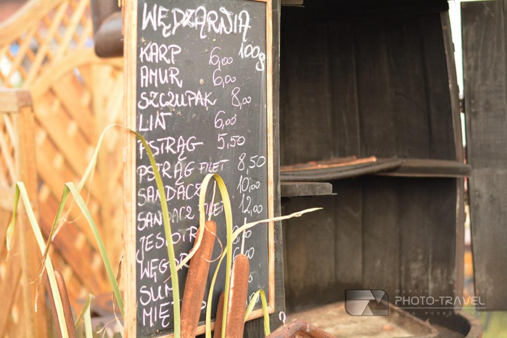 Szeroki wybór ryb wędzonnych podczas Dni Karpia w Dolinie Baryczy