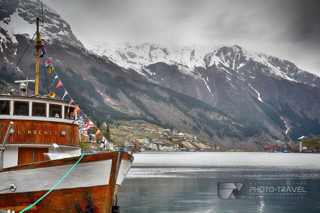Odda to małe norweskie miasto, stolica regionu Hordaland, pięknie położone między pasmem gór pokrytych lodowcem Folgefonna, a płaskowyżem Hardangervidda na krańcu Sorfjorden.