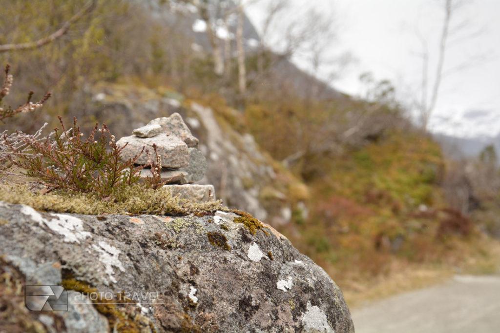 Treking do jeziora Bondhusvatnet z Sundal w Norwegii. Największe atrakcje turystycznych Norwegii