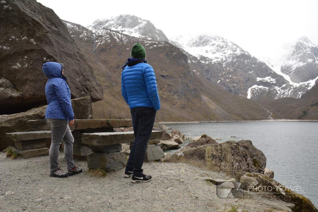 Jezioro Bondhusvatnet i na Bondhusbreen to miejsca, które trzeba zobaczyć w Norwegii