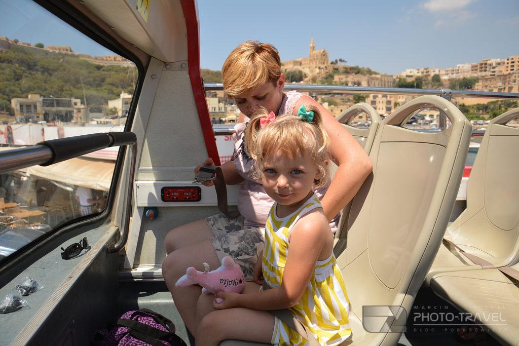 Zwiedznie Gozo zdzieckiem autobusem Hop On Hop Off