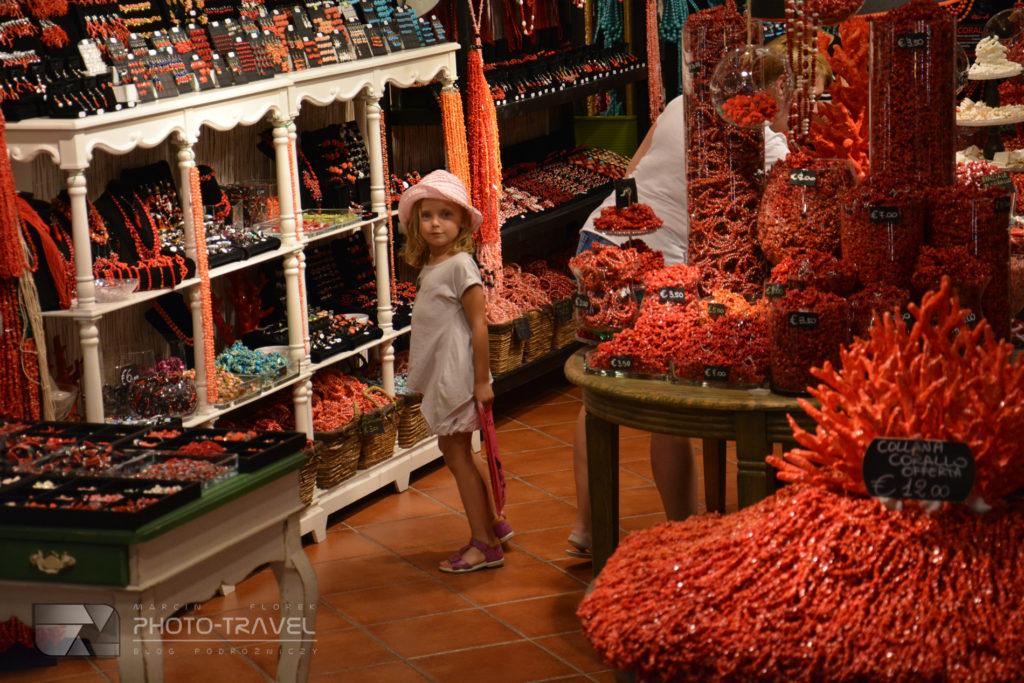 Tradycyjne sklepy z koralami w Alghero - pamiątki z Alghero