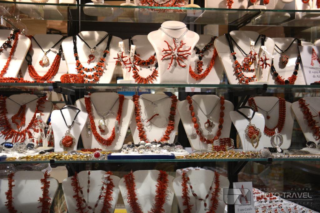 Naszyjniki z korali z Alghero
