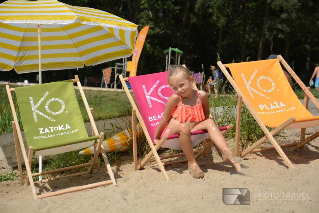 Piaszczyste plażę na kąpielisku Kopalnia w Paniowicach pod Wrocławiem