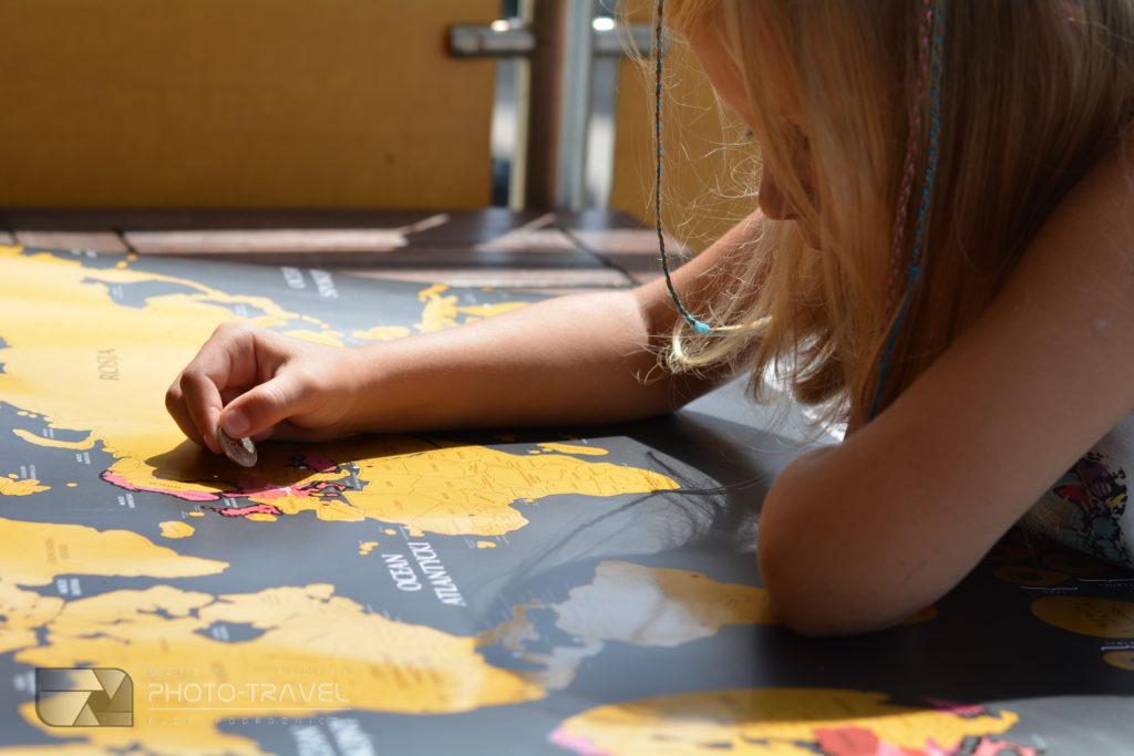 Czym zdrapać mapę drapkę, żeby nie było zarysowań