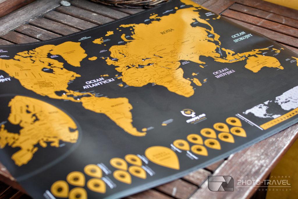 mapa świata w formie zdrapki na ścianę