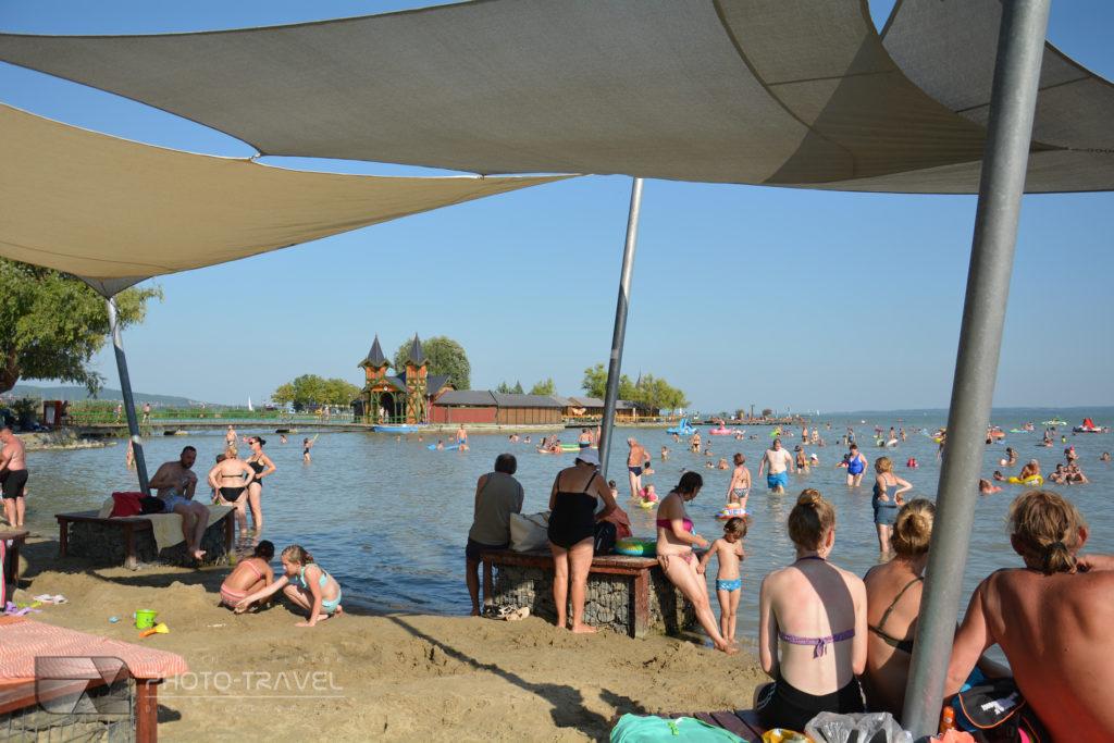 Plaża miejska Varosi strand w Keszthely nad Balatonem
