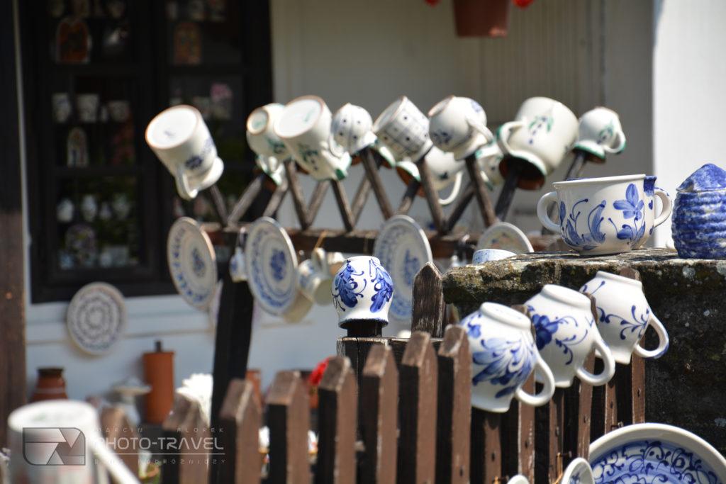 Naczynia z motywami z lawendy w Tihany