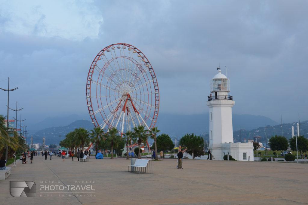 Park cudów w Batumi - latarnia morska
