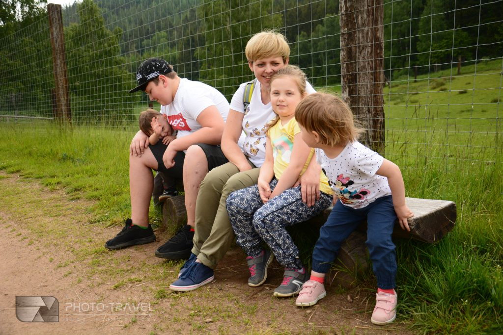 Zwiedzanie ZOO Łączna koło Mieroszowa z dziećmi