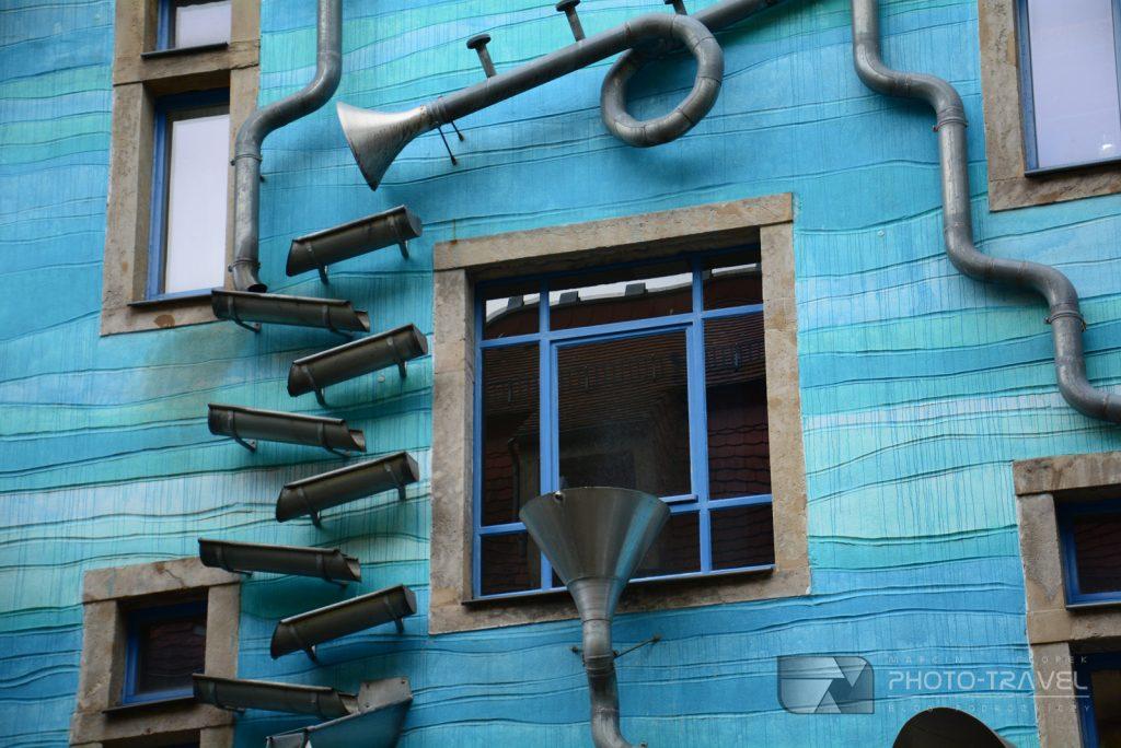 niebieska kamienica w Neustadt