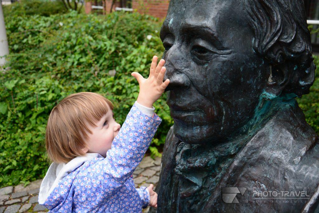 Rzeźba Andersena w Danii