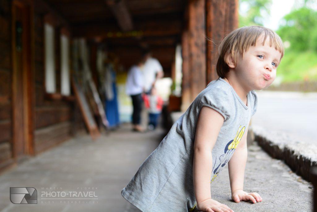Domy Tkaczy w Chełmsku Śląskim z dziećmi