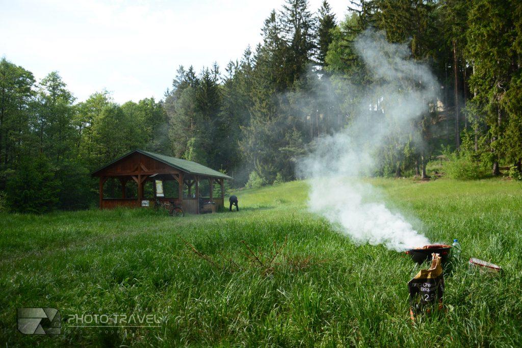 Głazy Krasnoludków w Gorzeszowie - miejsca na biwak i grilla