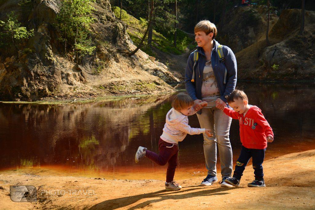 Ziemia kamienKolorowe Jeziorka w Rudawach Janowickich z dziećmi informacje praktyczne