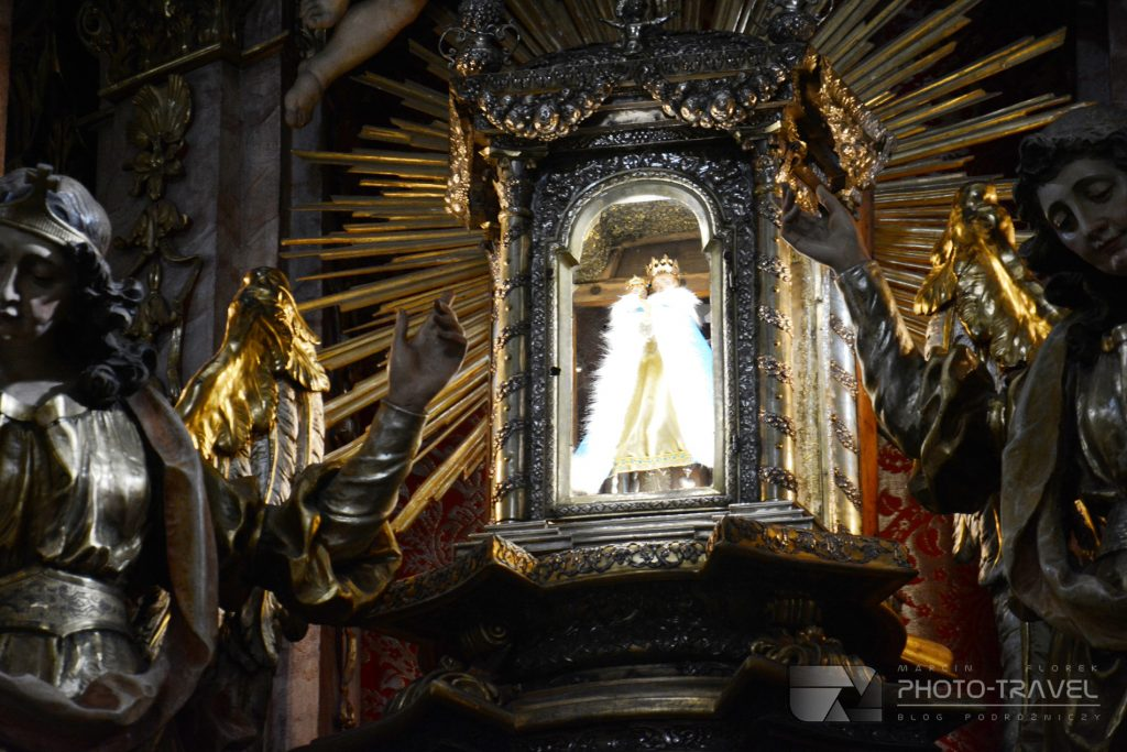 Wambierzyce - Bazylika Nawiedzenia Najświętszej Marii Panny - Święta figurka