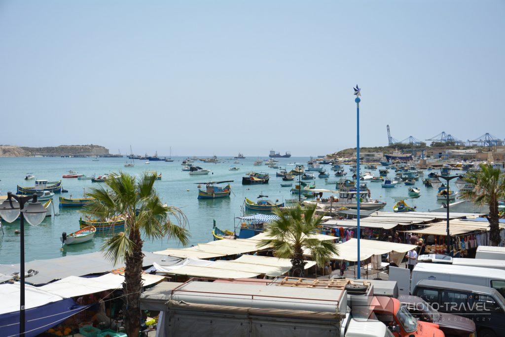Widok na targ w Marsaxlokk