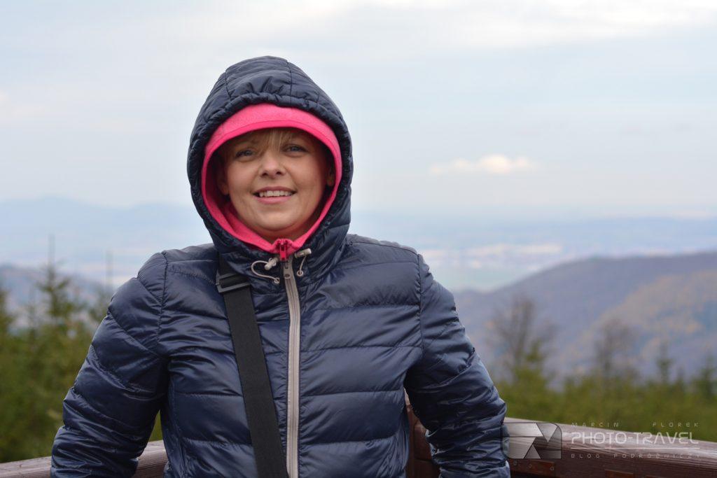 Wieże widokowe na Dolnym Śląsku -Platforma widokowa na Przełęczy Jugowskiej z dziećmi