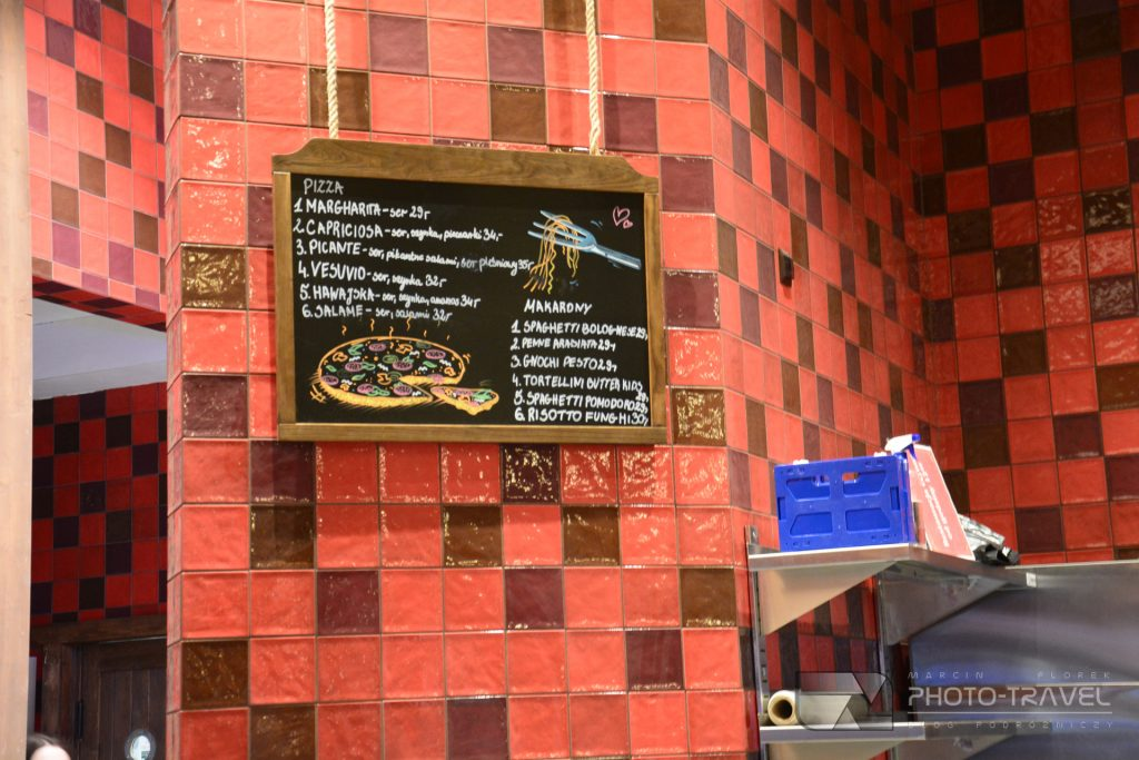 Jedzenie w Mandorii. Co można zjeść w Mandorii?